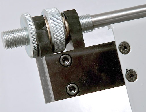 COUNT Feed table micro lateral adjustment